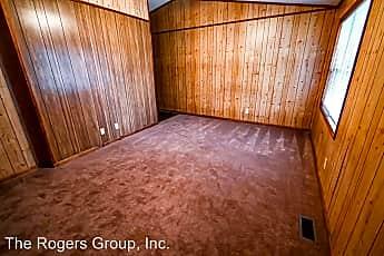 Living Room, 104 Dent Ln, 1