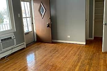 Living Room, 4911 Columbus Dr, 1