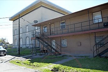 Building, 7430 Hillsboro St, 0