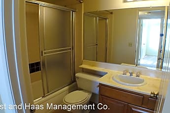 Bathroom, 1630 Park Ave, 2