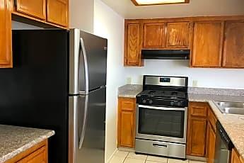 Kitchen, 4270 Highland Ave 4, 0