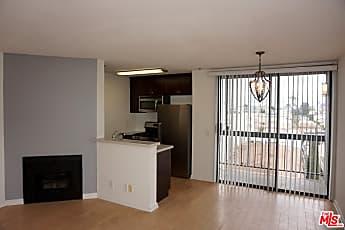 Living Room, 7320 Hawthorn Ave 421, 1