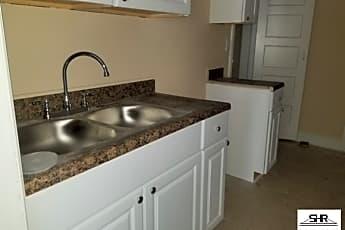 Kitchen, 3701 W Brainerd St, 1