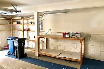 Kitchen, 3101 Plaza del Amo, 2