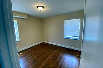 Kitchen, 915 W 3rd St, 2