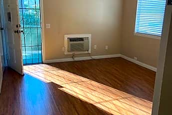 Living Room, 528 S Tulip St, 0