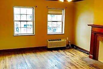 Living Room, 2209 Washington St, 1