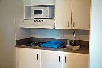Kitchen, InTown Suites - Stuebner Airline (STU), 0