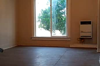 Living Room, 2906 San Pedro St, 2