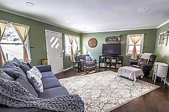 Living Room, 1405 Franklin St., 1