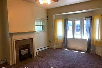 Living Room, 358 W 7th St, 0