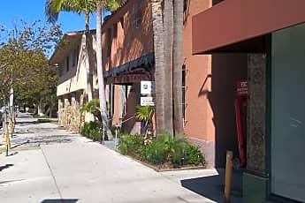 Building, 328 Elm Ave, 2