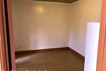Bathroom, 901 SW 13th St, 2