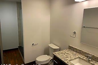Bathroom, 651 N 13th St, 2