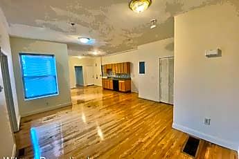Living Room, 179 Chestnut St, 1
