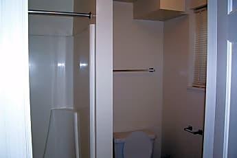 Bathroom, 211 Chancellor St A, 2