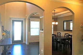 Dining Room, 405 Red Hawk Pointe, 1
