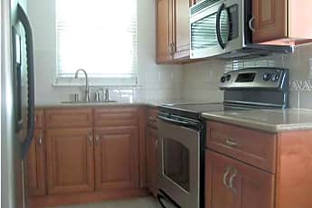 Kitchen, 10B Maplewood Dr A, 1