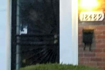 Building, 18489 Ashton Ave, 1