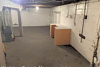 Bathroom, 486 E Apple Ave, 2