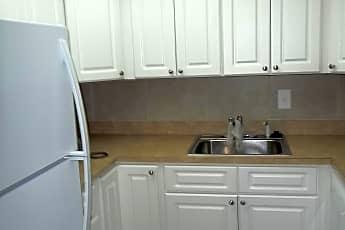 Kitchen, 482 SW 9th St, 2