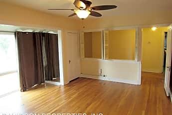 Living Room, 2220 W Mistletoe Ave, 1