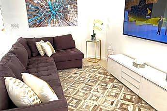 Living Room, 4615 N Miami Ave U, 0