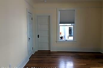 Bathroom, 510 Lincoln St, 2