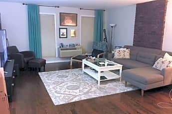 Living Room, 15 Forest St C0002, 1