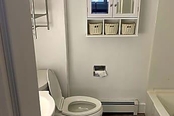 Bathroom, 68 Main St, 2