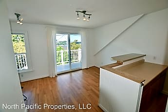 Living Room, 2222 Eastlake Ave E, 0