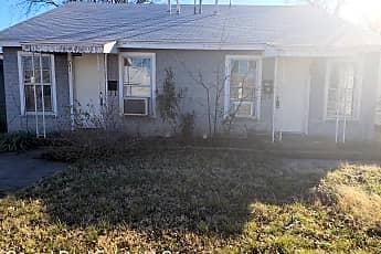 Building, 751 E N 12th St, 1