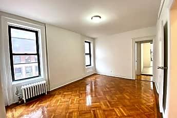 Living Room, 136 E 70th St 3, 0
