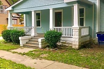 Building, 812 N Pine St, 0