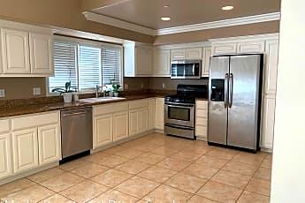 Kitchen, 128 Avenida Florencia, 1