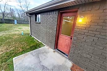 Bathroom, 604 Douglas St, 2