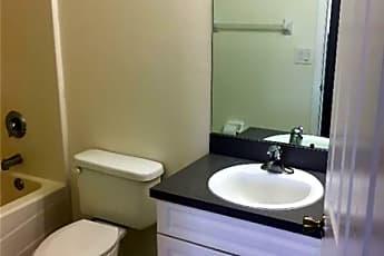 Bathroom, 722 Gordon Ave S, 2