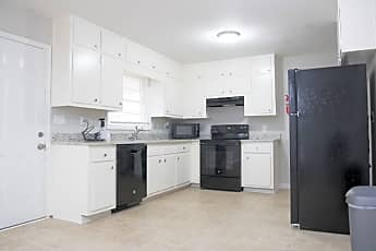 Room for Rent -  a 3 minute walk to bus 74, 0