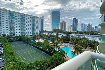 Pool, 19380 Collins Ave 614, 0