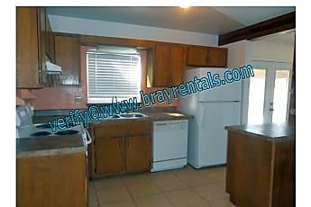 Kitchen, 485 Mae St #3, 1