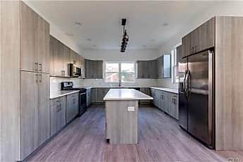 Kitchen, 14 E Walnut St 14, 1