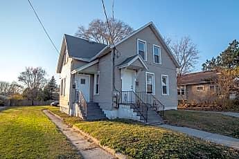 Building, 947 Velp Ave, 0