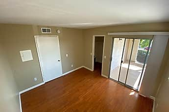 Living Room, 14052 Pinebrook Dr, 2
