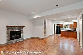 Living Room, 303 Dogwood Ave, 0