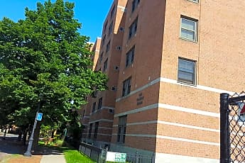 One Franklin Square Apartments, 0