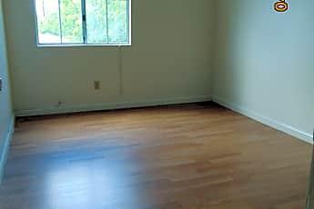 Bedroom, 400 20th St, 2