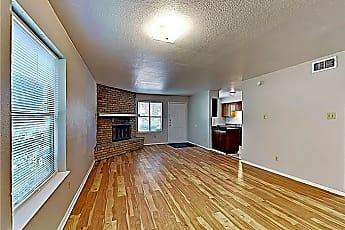 Building, 919 W Rochelle Rd, 1