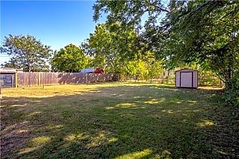 19 Backyard.jpg, 4428 SE 40th St, 2