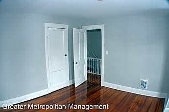 Living Room, 4122 Chester Ave, 2