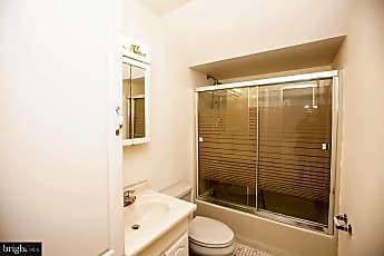 Bathroom, 905 White Horse Pike, 2